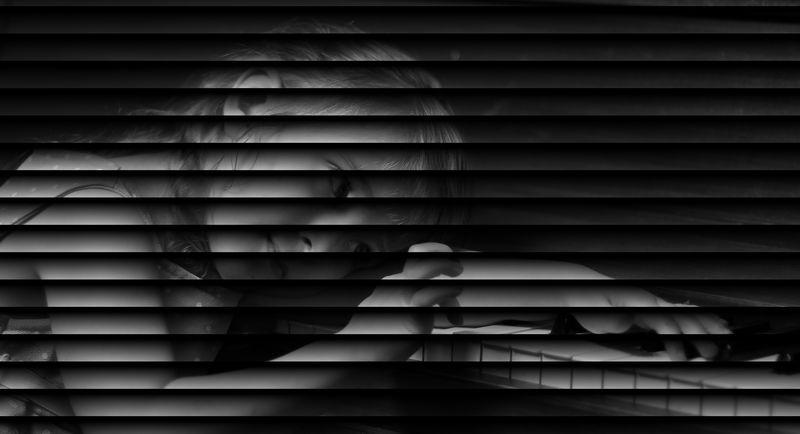2010-02-21 01-07-43 - IMG_1468 blinds